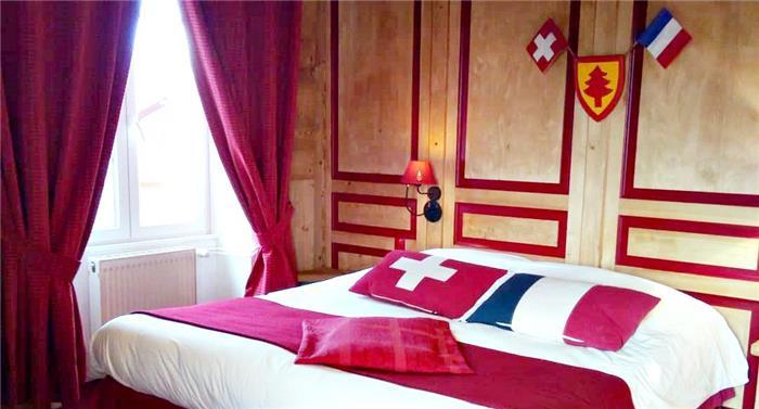 أغرب فنادق العالم:فندق آربيز نم وانت في فرنسا واستيقظ في سويسرا